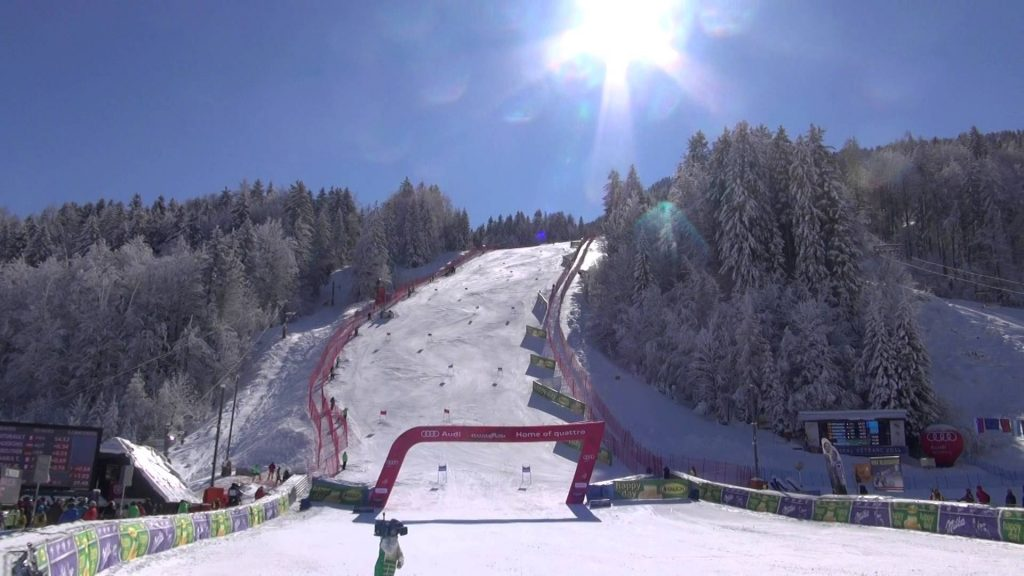 SLOSKI skier Žan Kranjec make up to the 16th place at the GS race Vitranc Cup 2016. Žan Kranjec se je pred domačo publiko na Pokalu Vitranc 2016 uvrstil na 16. mesto.